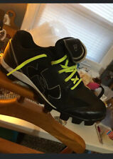Mens Under Armour Cleats Size 8 1/2 Black White Excellent Condition Sports Gear
