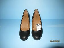 JACLYN SMITH EVERYDAY/CASUAL SHOES SIZE 8  MEDIUM  (BLACK)