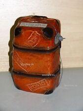 +# A015958_12 Goebel Archiv Muster Arbeitsmuster Spardose Koffer TMK6 Plombe