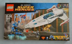 LEGO DC Comics Super Heroes Justice League 76028 Darkseid Invasion (Sealed Box)