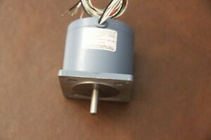 Superior Electric SLO-SYN Synchronous Stepping Motor M061-FC02 5V 200 s/r NEW