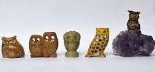 Konvolut Lot 5 Eulen aus Stein Marmor und Speckstein Eule auf Amethyst Skulptur