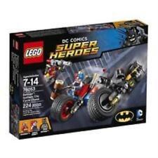 LEGO 76053 DC Comics Super Heroes Batman Gotham City Cycle Chase + Minifigures