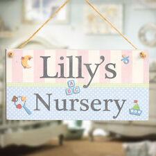 Baby Nursery PLACCA-personalizzata Baby nome a mano in legno Porta Firmare Regalo