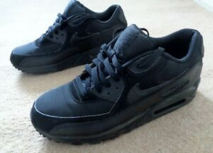 NIKE AIR MAX Size 8 Trainers running Gym Shoes Boots