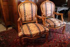 Paire de larges fauteuils de style Louis XV