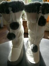 Puddlduc Ladies Snow Boots Size 4. 5