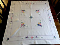 VINTAGE HAND EMBROIDERED OFF WHITE LINEN TABLECLOTH 40x44 Inches