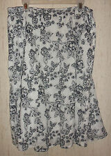 EXCELLENT WOMENS Christopher & Banks WHITE W/ BLACK FLORAL LINED SKIRT SIZE 12
