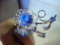 X Sparkling Blue Rhinestone Silver Tone Lovely Vintage 50's Flower Brooch  86JN8