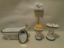 DOLLS HOUSE FURNITURE MIXED LOT BATHROOM 12TH SCALE