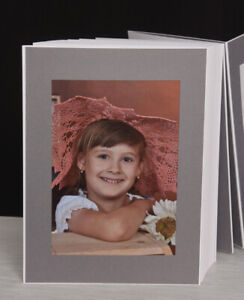 Bildermappe / Leporello Leinen-grau für 50 Fotos 13x18 auf weißem Grund - LG144