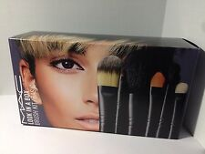 MAC Cosmetics Look in a Box Basic Brush Set WITH Cosmetics BAG NIB