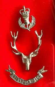 QUEENS OWN HIGHLANDERS (CAMERON & SEAFORTH) 3 PIECE OFFICERS GLENGARRY/CAP BADGE