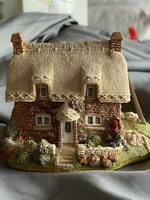 LILLIPUT LANE BRIDLE WAY