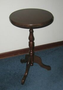 """Vintage Pedestal Round Solid Wood Classic Furniture Plant Stand 23 3/4"""" High"""
