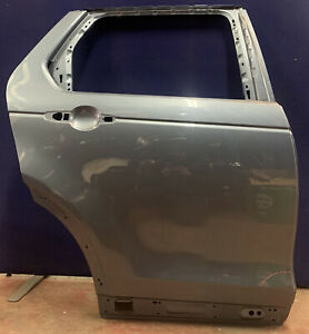 GENUINE LAND ROVER DISCOVERY 5 O/S RIGHT REAR DOOR IN BLUE 2018-ON