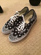 Vans Shoes Black Bandana Mens 8 Women 9.5 New!!!