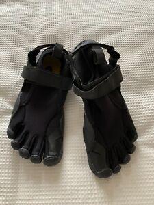 Barefoot shoes - Vibram Five Fingers Black Size 3