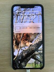 Apple iPhone 11 Pro Max - 64Go - Vert nuit (Désimlocké) verre arrière cassé