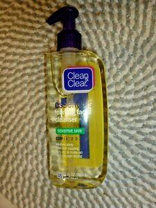 CLEAN & CLEAR~~ESSENTIALS~~SENSITIVE SKIN~~FOAMING FACIAL CLEANSER 8 OZ PUMP