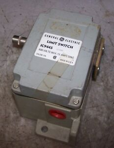 NEW GENERAL ELECTRIC LIMIT SWITCH 600 VAC LEVER OPERATED 15 AMP IC9445B200A