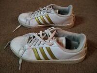 Womens Size 9 adidas Originals Sports Shoes White Black Stripes CG5907