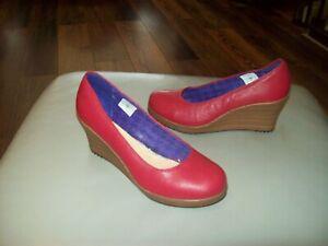 CROCS Wedge Heel Shoes Womens BNWOT  US W7.5 UK5