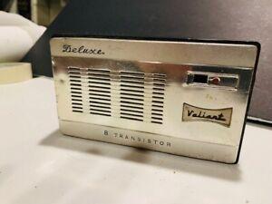 VINTAGE VALIANT DELUXE 8 TRANSISTOR RADIO - MADE IN JAPAN