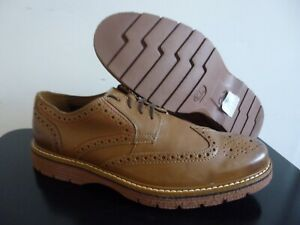 Mens Clarks leather brogue shoes size 11 VGC