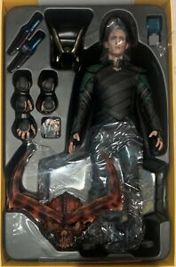 Hot Toys MMS472 Loki / Tom Hiddleston 1/6 Action Figure