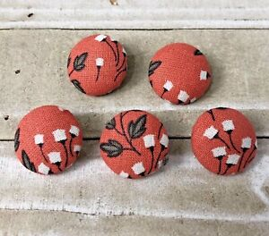 "5 Vtg Nos Cloth Fabric Covered Shank Buttons 7/8""Coral White Floral Flower"