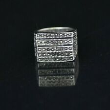 Exquisite STERLING SILVER RING SIZE 7.5 with Diamond Dust
