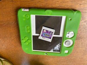 Nintendo2DS white w/silicone case & Pokémon Ultra Moon (WORKS, read description)
