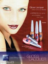 PUBLICITE ADVERTISING 066  2002  Nivéa Beauté maquilage glos rouge à lèvres