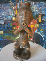 old African statue.ancienne Statue africaine Songye