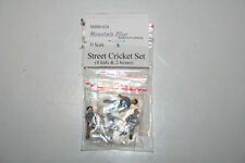 Mountain Blue O Scale pre-painted white metal figures Street Cricket Set MBM-034