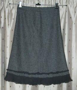 Kew Ladies Lined, Grey Herring Bone, Wool Blend Skirt ~ Size 8