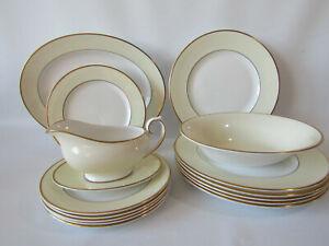 vintage royal grafton elegance dinner set /white cream and gold,16 pieces