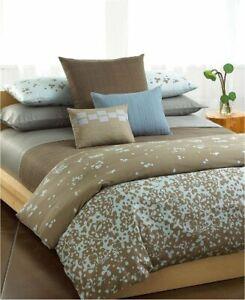 120 $ Calvin Klein Home pillow , cotton  NWT