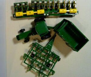 VINTAGE LOT Of 4 John Deere Ertl Diecast Metal Plastic Farm Tractor Toys 1:64