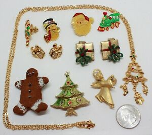 CUTE LITTLE CHRISTMAS JEWELRY LOT;1 NECK, 2 EARS, 3 PINS, 4 PINBACKS-SOME SIGNED