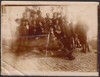 YZ0836 Gruppo di Militari con le relative compagne - 1900 Fotografia d'epoca