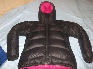 BEAUTIFUL Norrona Falkentind Goose Down Jacket Coat Parka Black Pink SOFT WARM