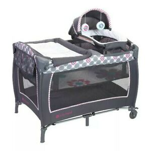 New Baby Trend Lil Snooze Deluxe 2 Nursery Center - Daisy Dots
