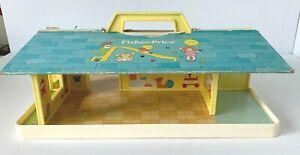 Vintage 1978 Fisher Price Little People #929 Nursery School Base & Roof