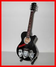 BEE GEES ! GUITARE MINIATURE Collection portrait Robin Maurice Barry Gibb Disco