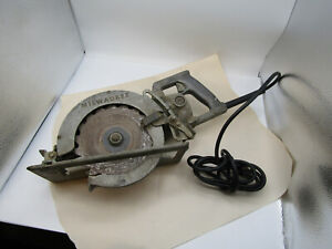 MILWAUKEE HEAVY  DUTY 7 1/2 Worm Drive Circular Saw Model 6370 Vintage works X