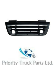 DAF CF85 Lower Grille with Chrome Strip - 1375876