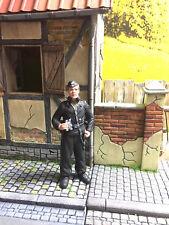 Deutsche Figur TF15-4 unbemalt 1:16